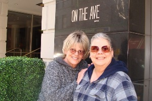 Bonnie and Loretta, in New York for The Beacon show